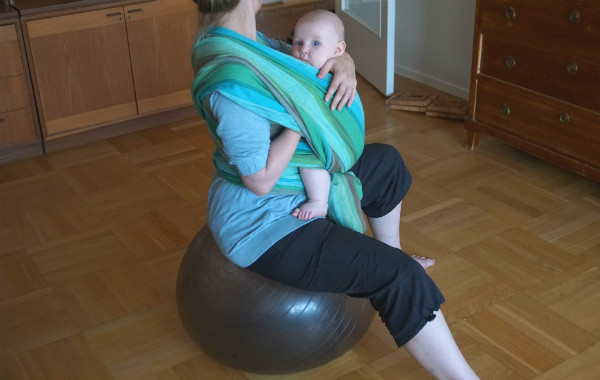 babybaby.se_nursingstrike_pilates_nursing