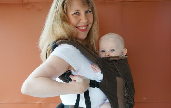 babybaby.se_nursing_babycarrier_sildeshow12