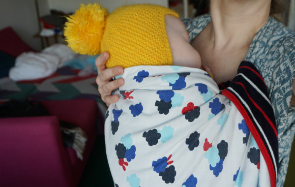 babybaby.se_winter_babywearing_carrying14